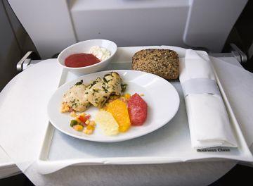 Uçak Yolculuğunda Beslenme